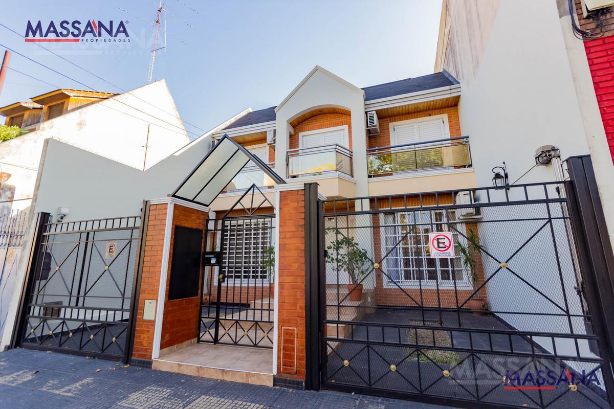 Foto Casa en Venta en  Caballito ,  Capital Federal  Espinosa al 700