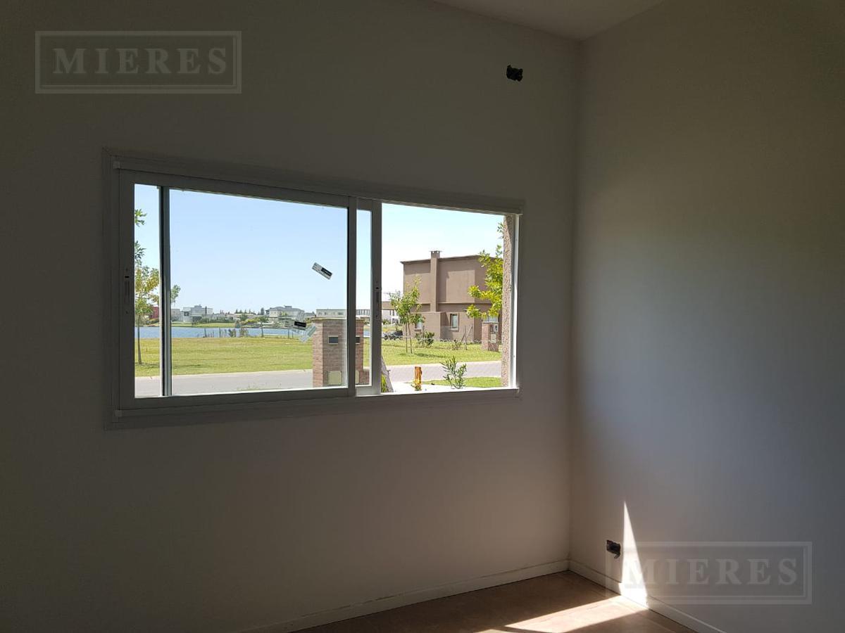 Casa en Venta ubicada en San Gabriel Desarrollada en una planta - 3 Habitaciones