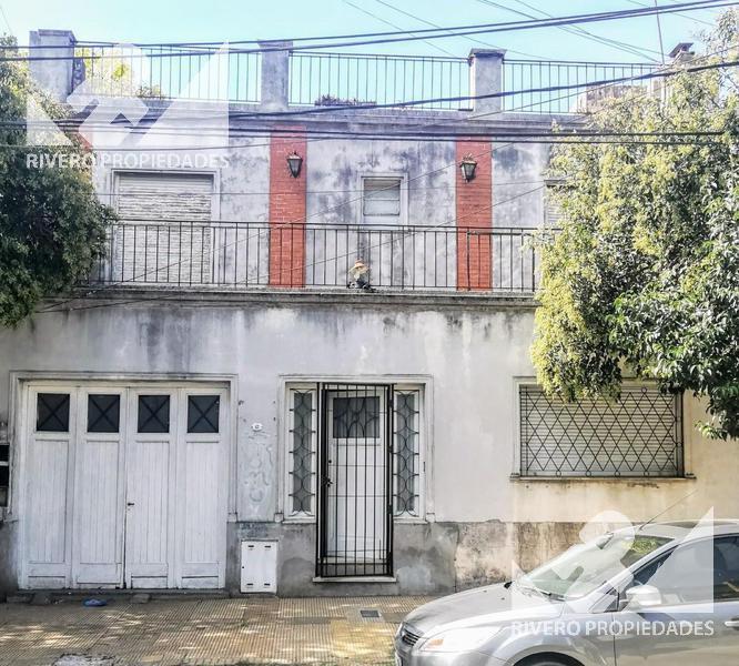 Foto Casa en Venta en  Moron,  Moron  Dr J Jose Castelli  100