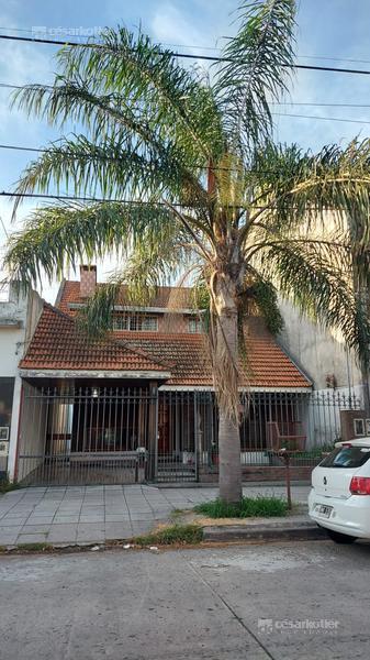 Foto Casa en Venta en  Temperley Este,  Temperley  Cangallo 238