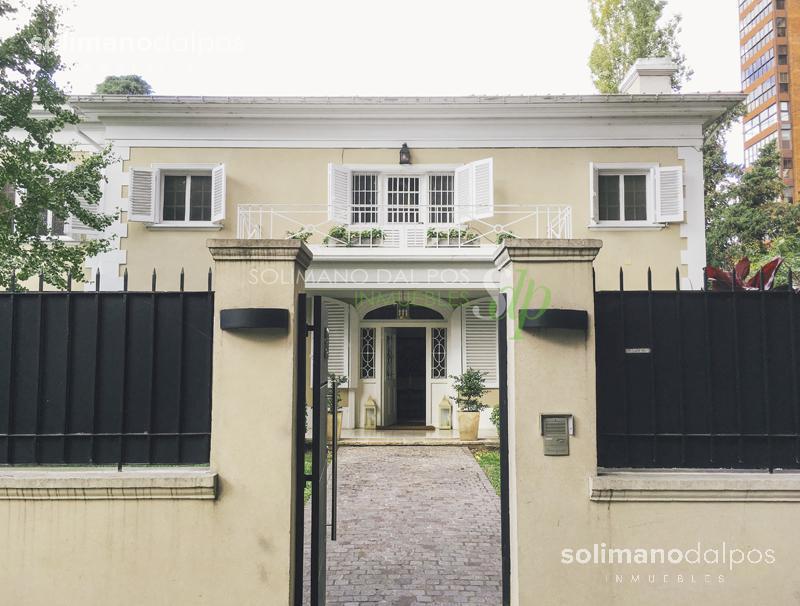 Foto Casa en Alquiler en  La Lucila-Libert./Rio,  La Lucila  Debenedetti al 200