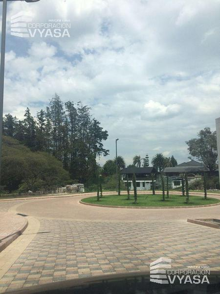Foto Terreno en Venta en  Cumbayá,  Quito  Cumbayá - Tumbaco - Ruta Viva, Terreno de 1.610,85 m² en Venta (LT. 10)