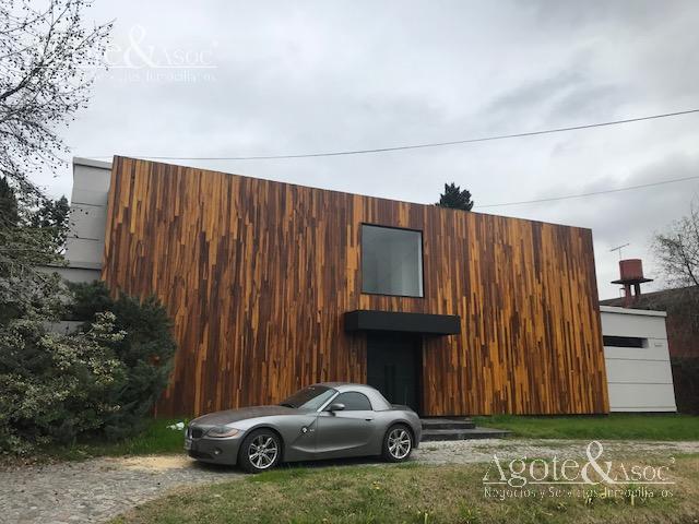 Foto Casa en Alquiler en  Miraflores,  Countries/B.Cerrado  Colectora y Av. Constituyente  Ruta Panamericana KM 37 Ramal Pilar