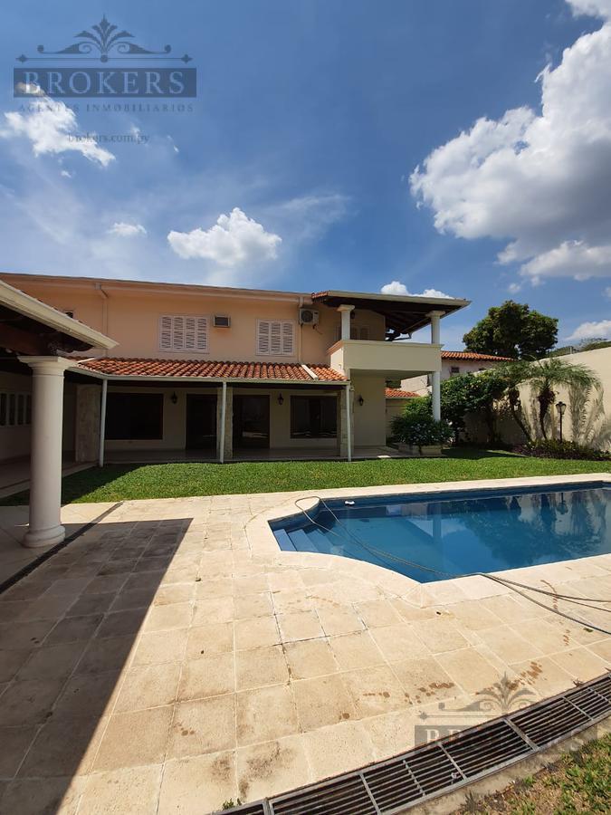 Foto Casa en Venta en  Manorá,  Santisima Trinidad  Alquilo o Vendo Casa De 5 Dormitorios En Suite En Manora