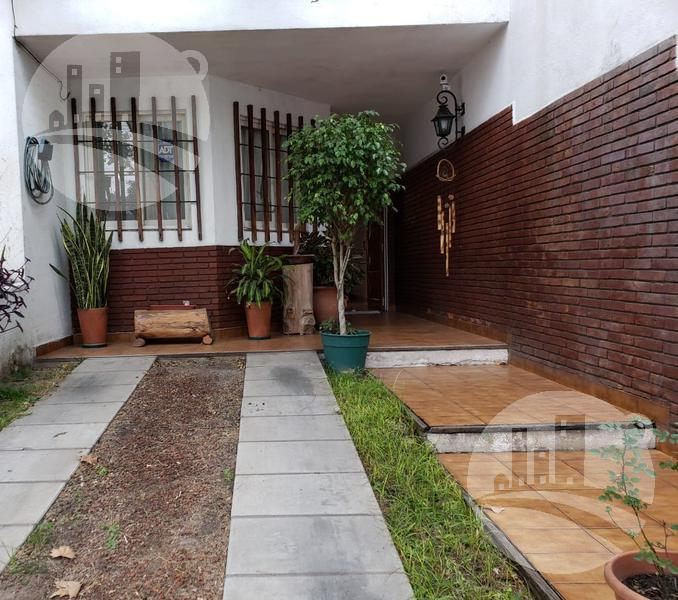 Foto Casa en Venta en  Velez Sarsfield ,  Capital Federal  Cervantes al 1000