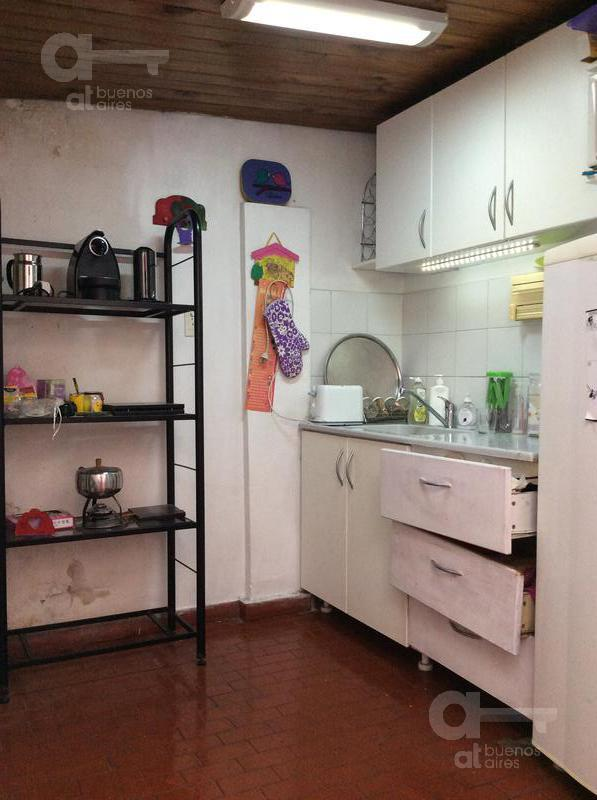 Foto PH en Venta en  Liniers ,  Capital Federal  Pola al 300