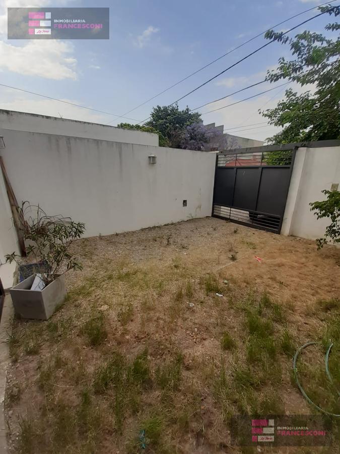 Foto PH en Venta en  La Plata ,  G.B.A. Zona Sur  11 511 Y 512