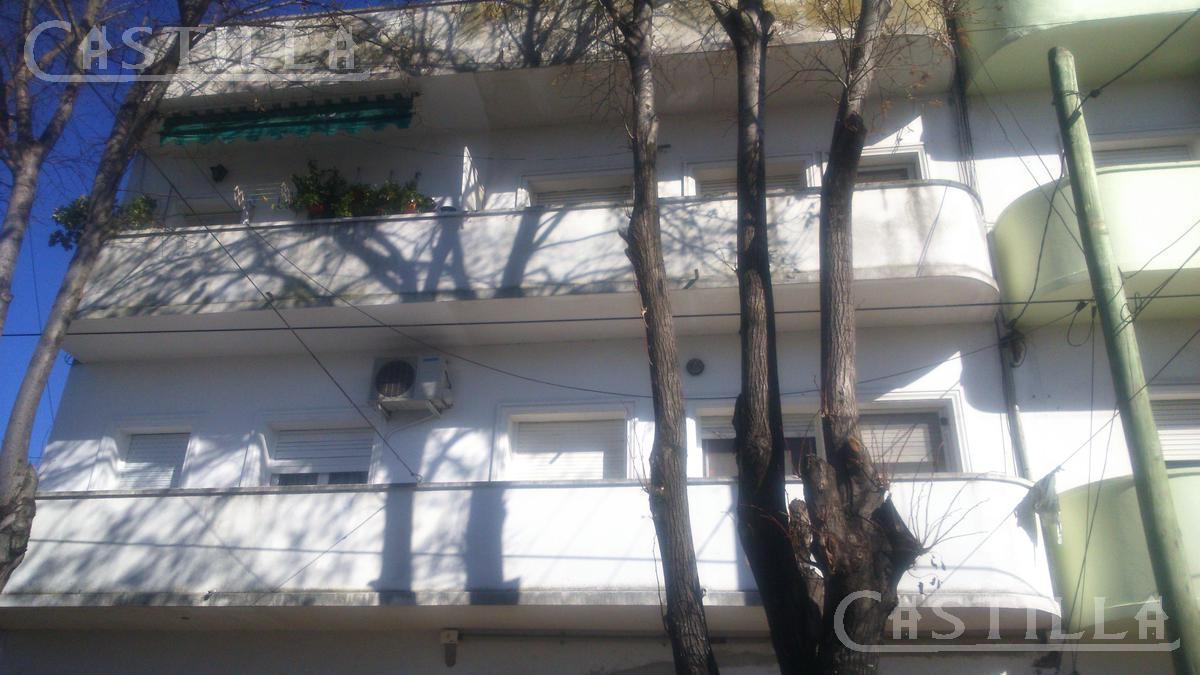 Foto Departamento en Alquiler en  Beccar-Vias/Rolon,  Beccar  Misiones al 2000