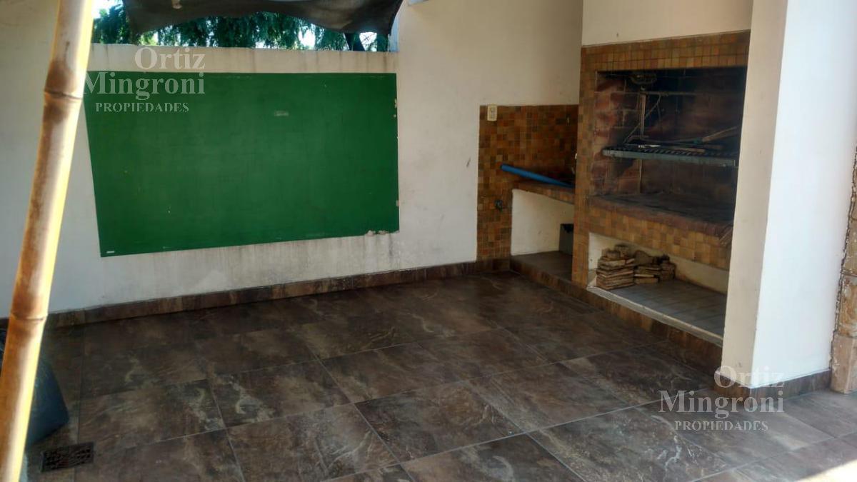 Foto Casa en Venta en  Lomas de Zamora Oeste,  Lomas De Zamora  Beltran al 800