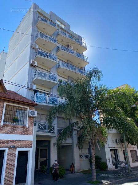Foto Departamento en Venta en  General San Martin ,  G.B.A. Zona Norte  Cerrito al 2400