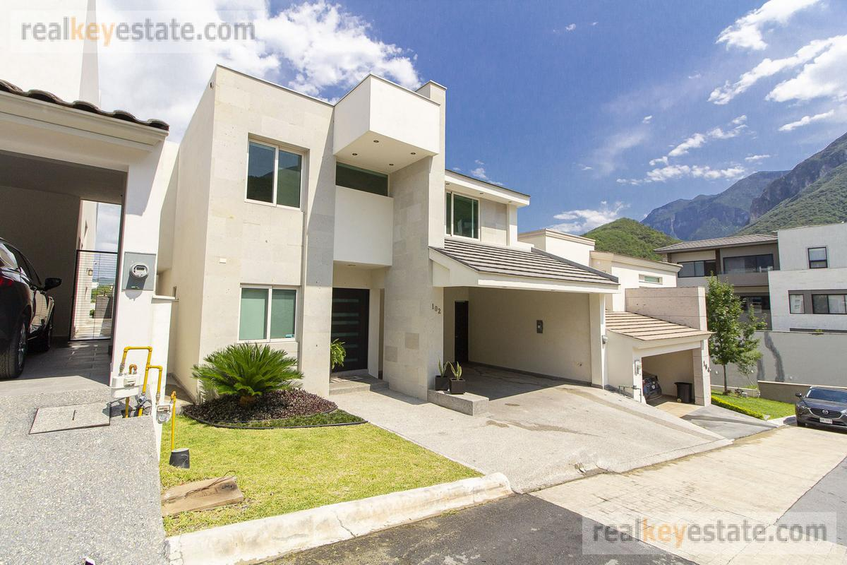 Foto Casa en Renta en  Sierra Alta 4 Sector,  Monterrey  SIERRA ALTA
