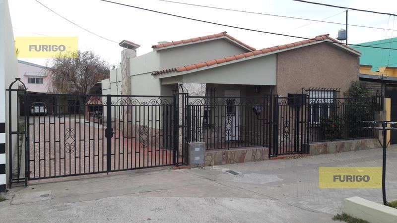 Foto Casa en Venta en  Perez ,  Santa Fe  San Martín al 900
