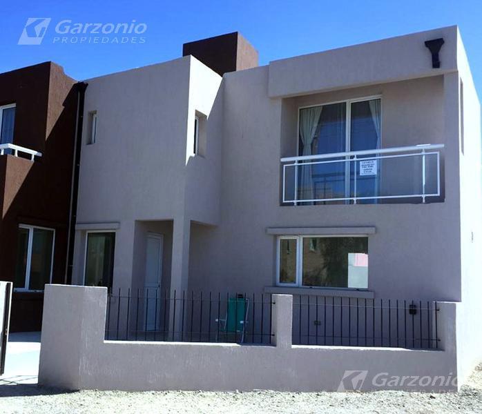 Foto Casa en Venta en  Playa Union,  Rawson  Tte Coronel Roa y Orellano