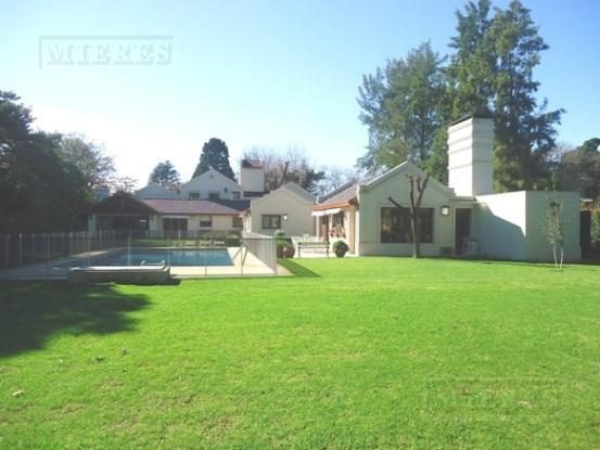 Casa de 492 mts. en Highland Park