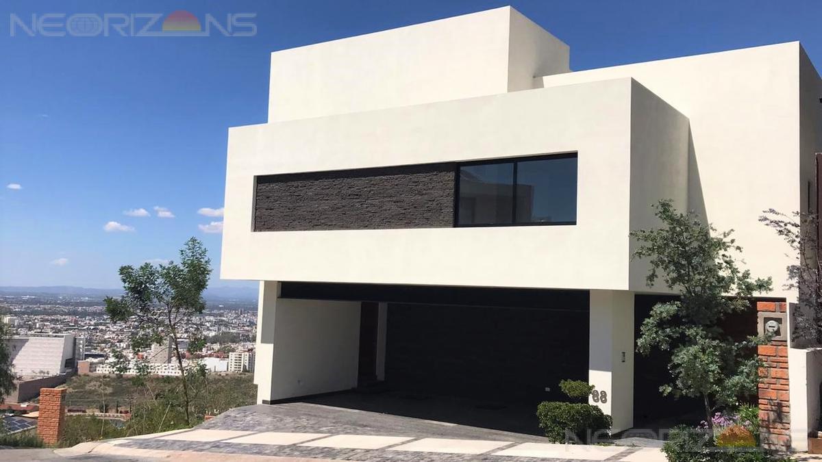 Foto Casa en Venta en  Club de Golf la Loma,  San Luis Potosí  Residencia Nueva con Espectaculares Vistas  en Exclusivo Club de Golf A-HR68
