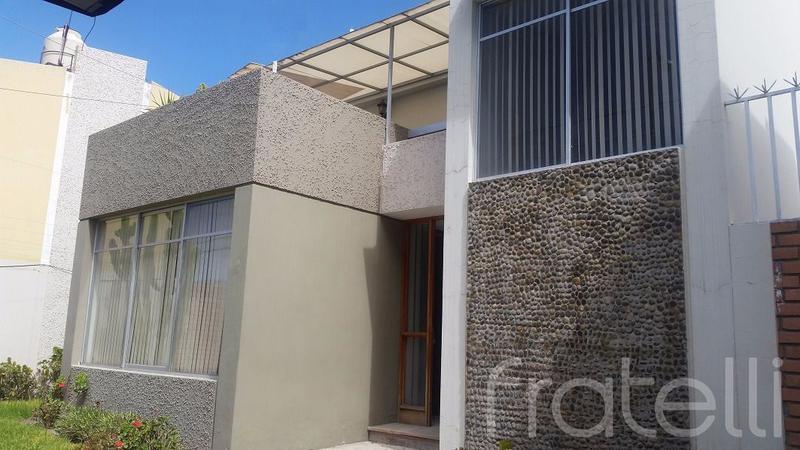 Foto Casa en Alquiler en  Cayma,  Arequipa  CASA AV. CAYMA