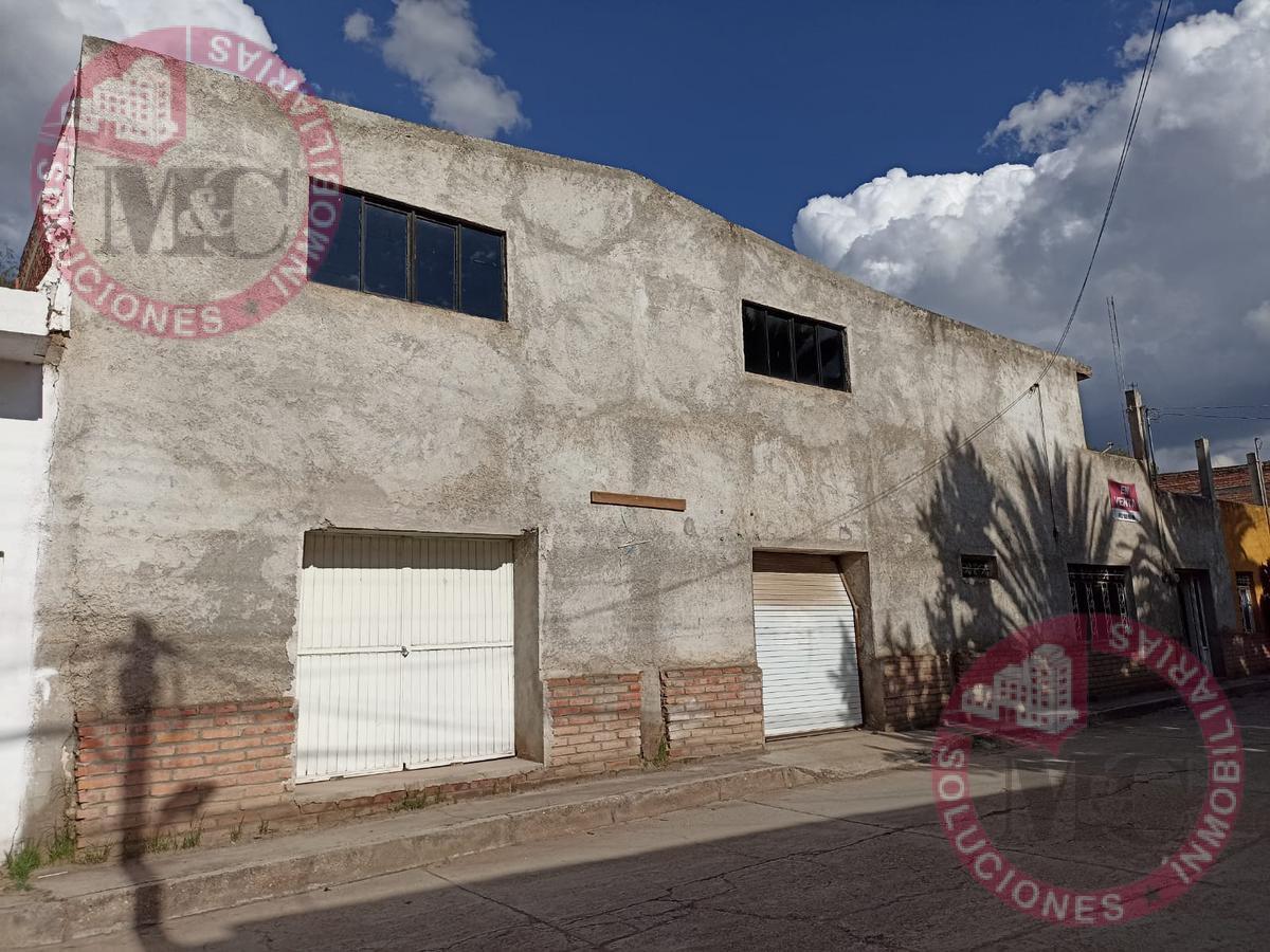 Foto Casa en Venta en  Villa García ,  Zacatecas  Casa amplia de dos plantas con locales para comercio.