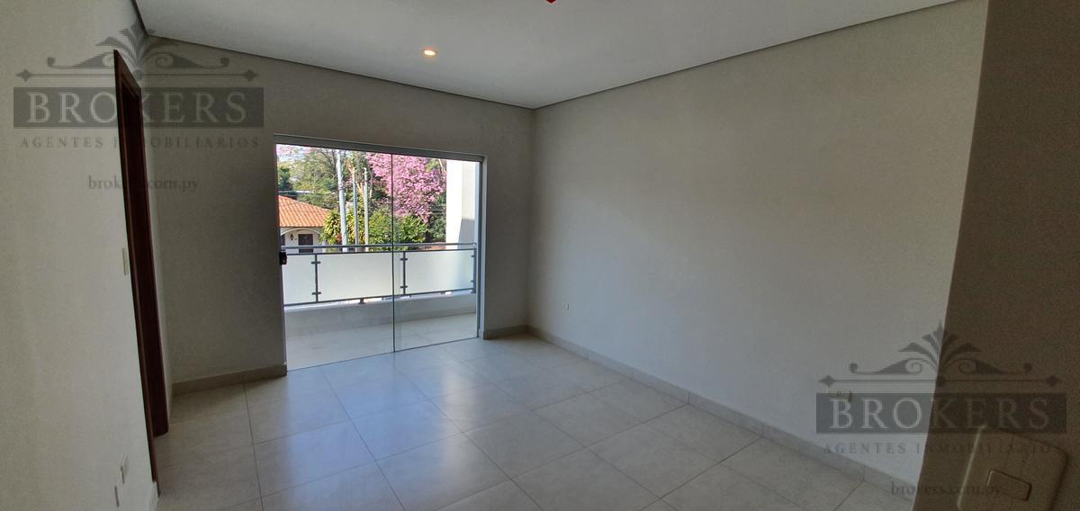 Foto Casa en Venta en  Los Laureles,  La Recoleta  Vendo Amplio Duplex A Estrenar De Tres Dormitorios En Los Laureles
