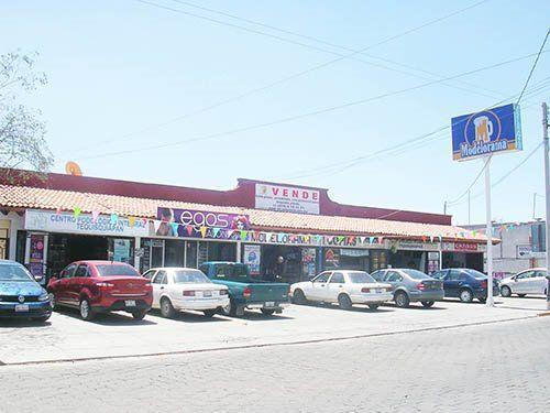 Foto Local en Venta en  Tequisquiapan Centro,  Tequisquiapan  Estupenda plaza comercial, súper acreditada.