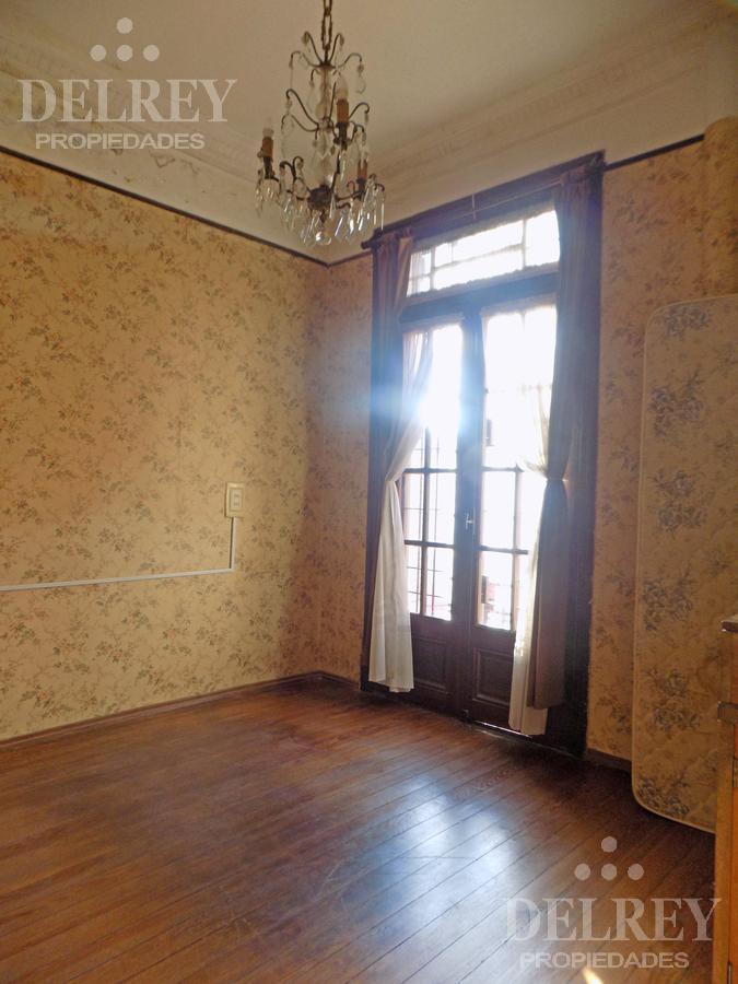 Foto Casa en Venta en  Pocitos ,  Montevideo          Cavia, Zona de Colegios