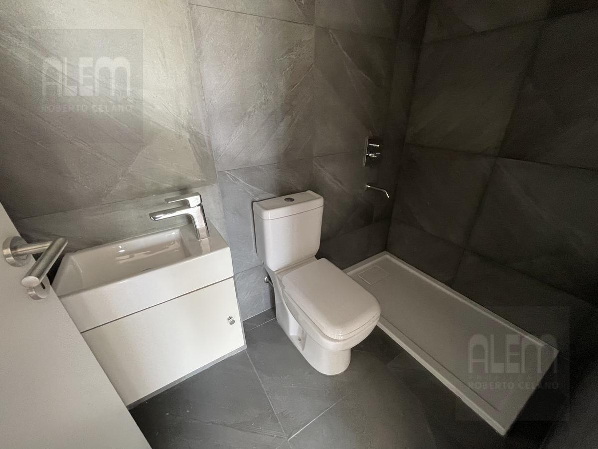 Foto Oficina en Venta en  Lomas de Zamora Oeste,  Lomas De Zamora          Sixto 140