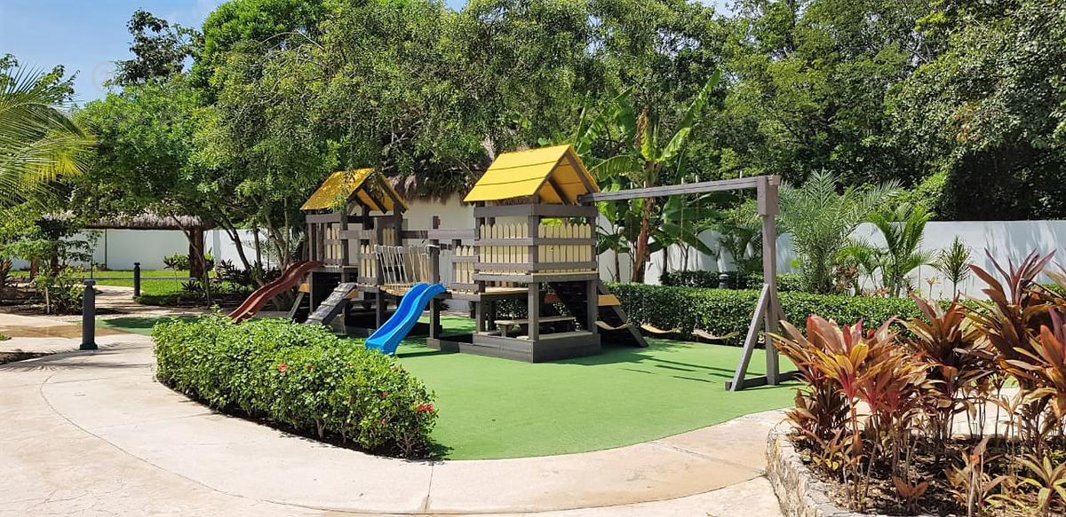 Playa del Carmen House for Sale scene image 16