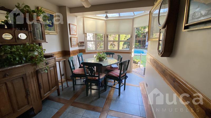 Foto Casa en Venta en  Martinez,  San Isidro  IMPORTANTE casa zona residencial de Martínez|Albarellos al 2600