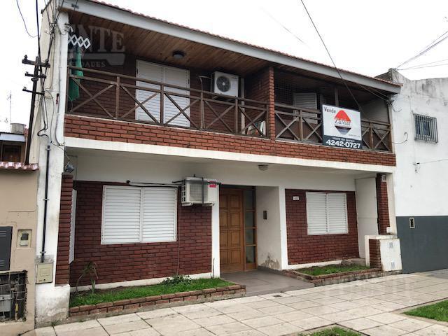 Foto PH en Venta en  Banfield Oeste,  Banfield  Carlos Croce 2052 Dto. 7