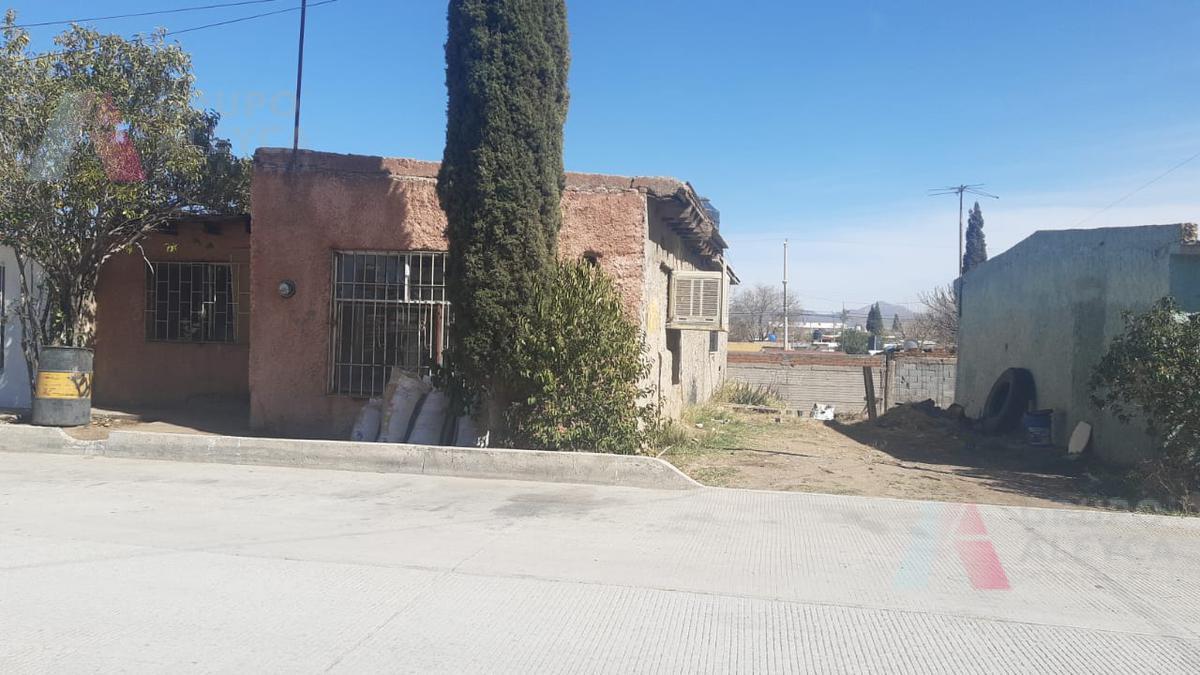Foto Casa en Venta en  Chihuahua ,  Chihuahua  COL. DIVISION DEL NORTE AL SUR