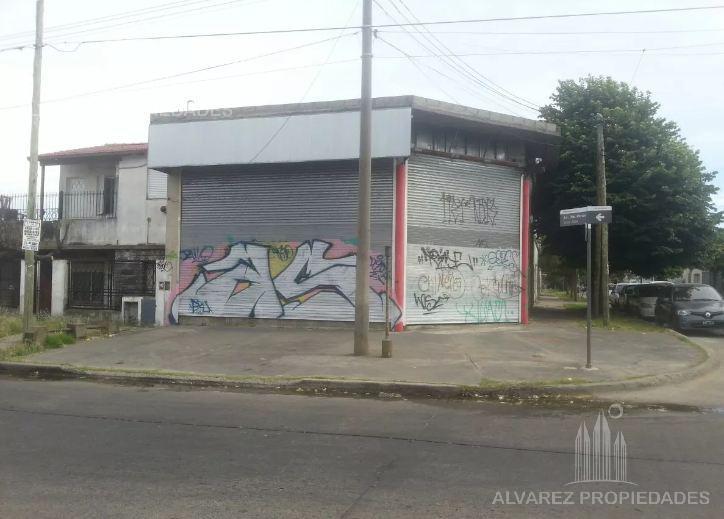 Foto Local en Venta en  Haedo,  Moron  Presidente Peron al 3100