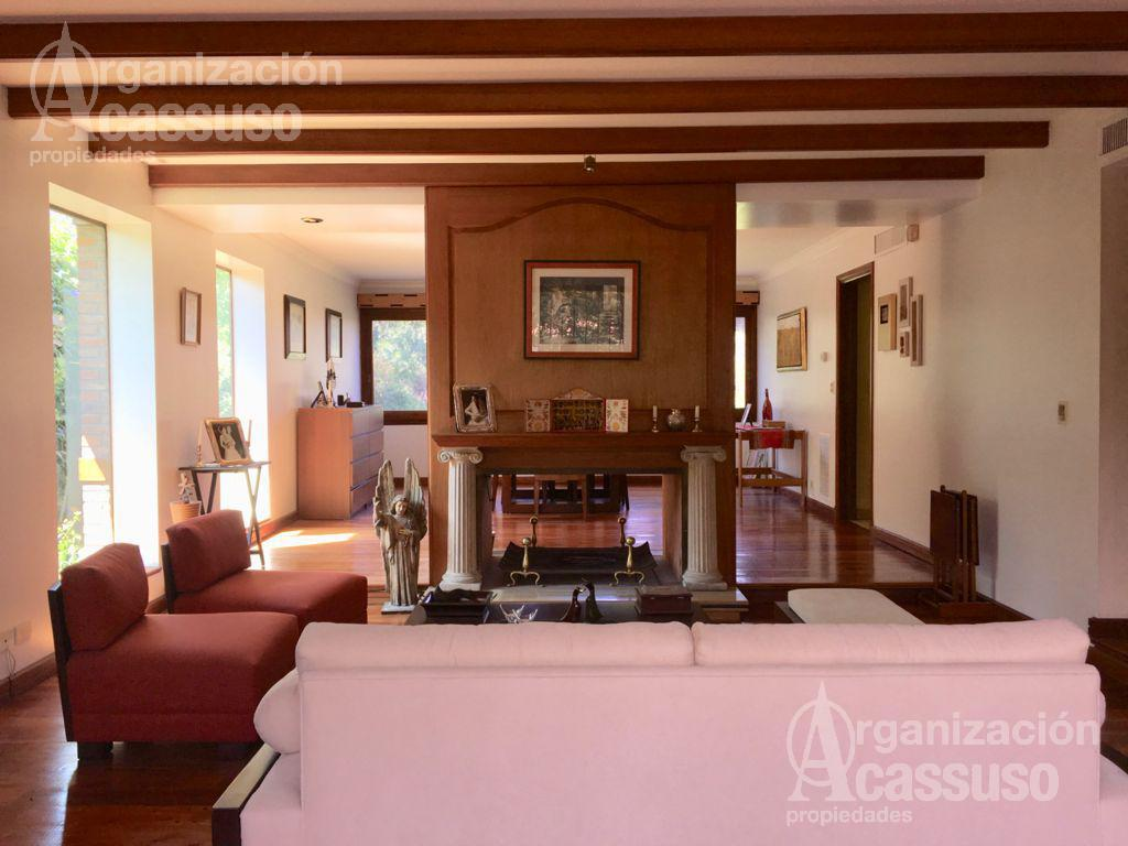 Foto Casa en Venta en  Las Lomas-Jockey,  Las Lomas de San Isidro  Isabel La Católica 63