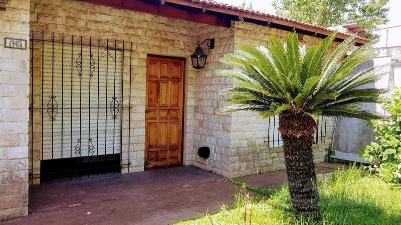 Foto Casa en Venta en  Ituzaingó Sur,  Ituzaingó  Aquino