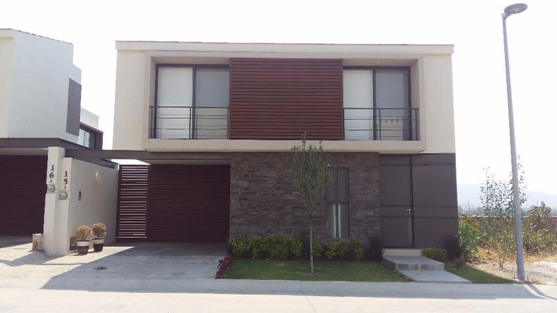 Casa en renta 3 recamarás El Molino Residencial León Gto.