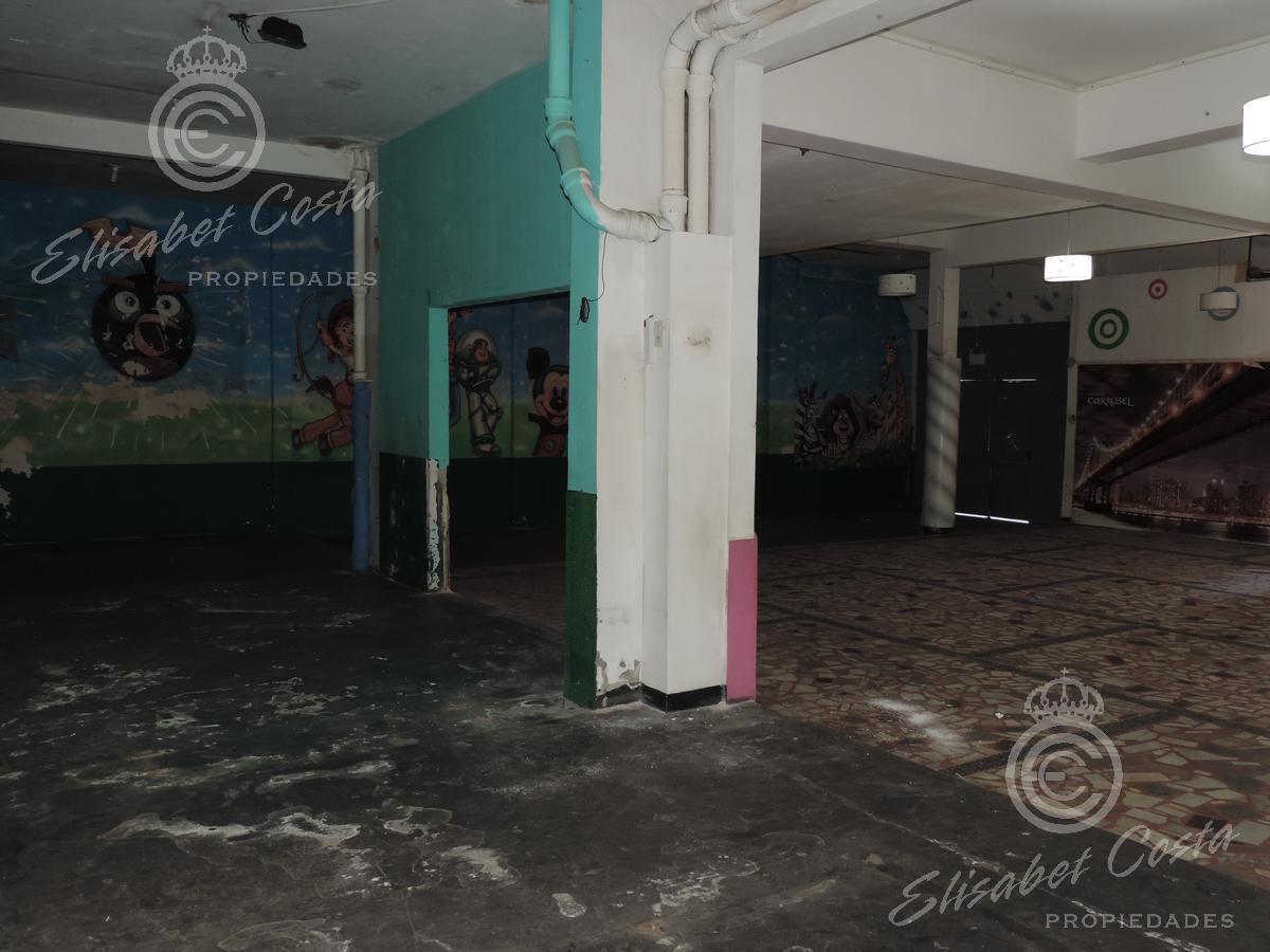 Foto Local en Venta en  Lanús Este,  Lanús  Avenida 9 de Julio al 2300