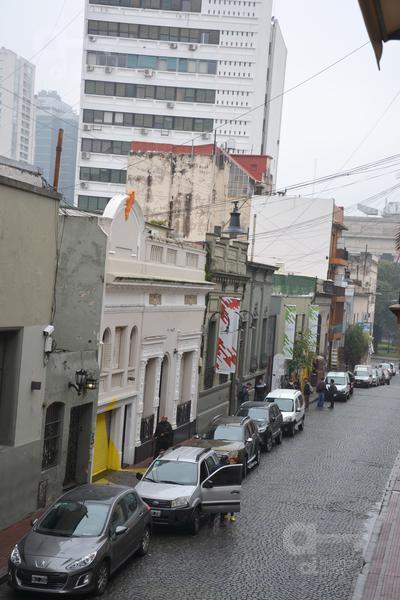 Foto PH en Alquiler | Alquiler temporario en  San Telmo ,  Capital Federal  Giuffra y Defensa