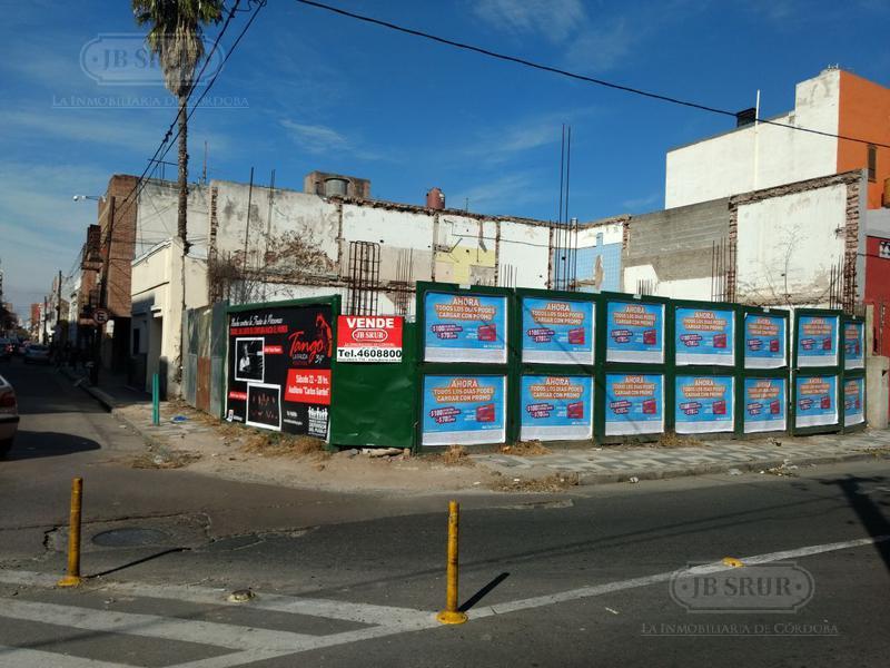 Foto Terreno en Venta en  Alberdi,  Cordoba  Chubut esquina La Rioja
