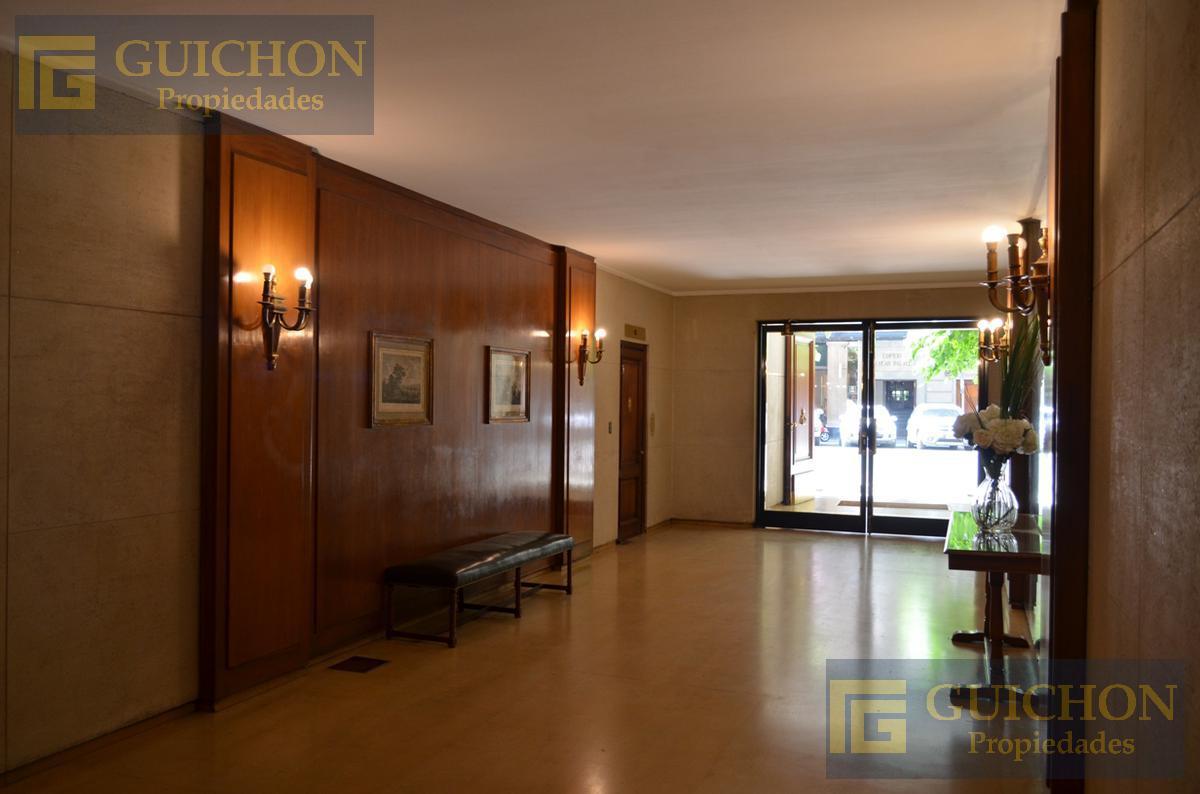Foto Departamento en Venta en  Recoleta ,  Capital Federal  Avenida Alvear  al 1800 4°