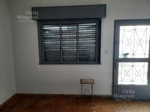 Foto Casa en Venta en  Lomas de Zamora Oeste,  Lomas De Zamora  Av. Frías al al 300