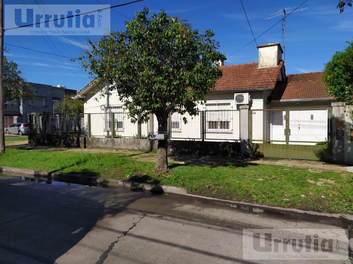 Foto Casa en Venta en  Ituzaingó ,  G.B.A. Zona Oeste  OLIVERA al 1300