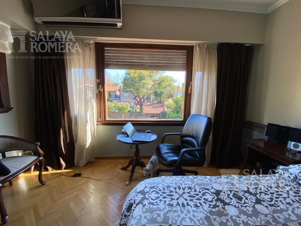 Foto Casa en Venta en  La Lucila,  Olivos  Rawson al 3200
