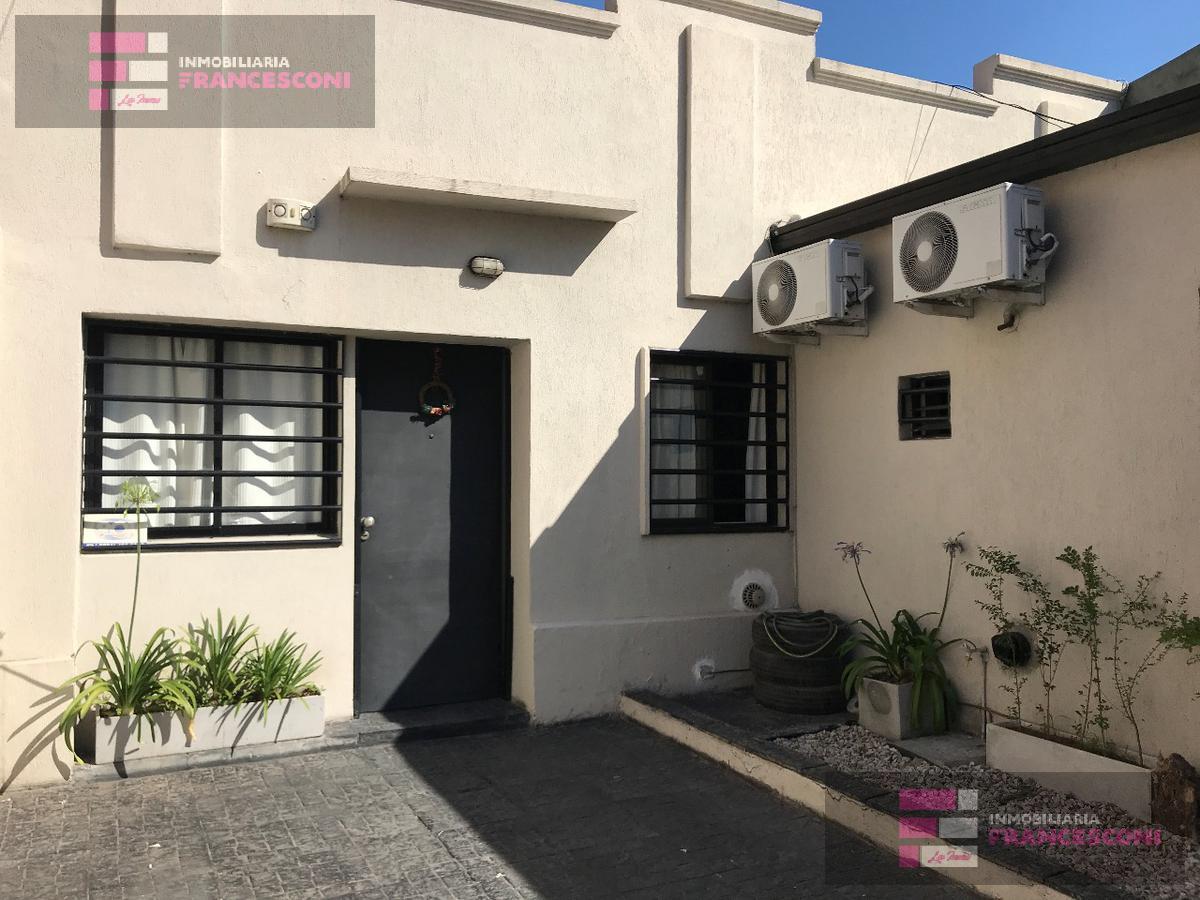 Foto Casa en Venta en  Tolosa,  La Plata  530 6 y 7