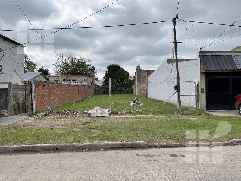 Foto Terreno en Venta en  Tolosa,  La Plata  4 y 522