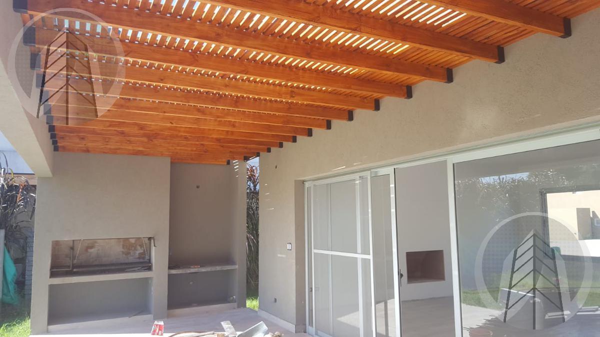 Foto Casa en Venta en  Barbarita,  Countries/B.Cerrado (Tigre)  Barrio Cerrado Barbarita