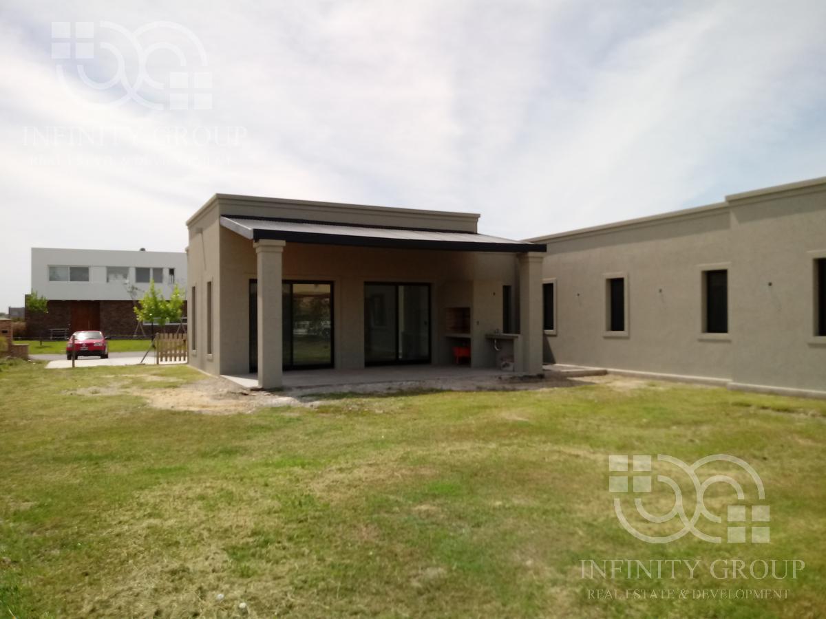 Foto Casa en Venta en  Countries/B.Cerrado (Tigre),  Tigre  San Rafael. Casa 5 amb. con dependencia. Lote al 300