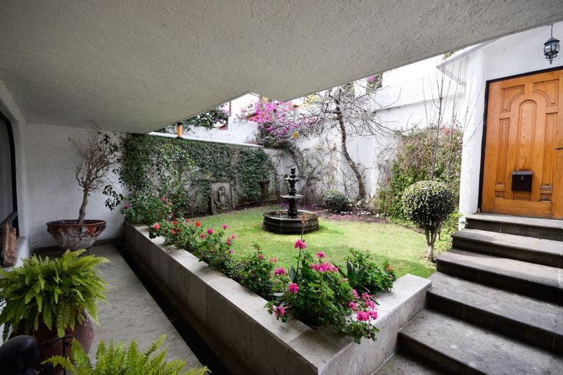 Foto Casa en Venta en  Lomas de las Palmas,  Huixquilucan  LOMAS DE LAS PALMAS
