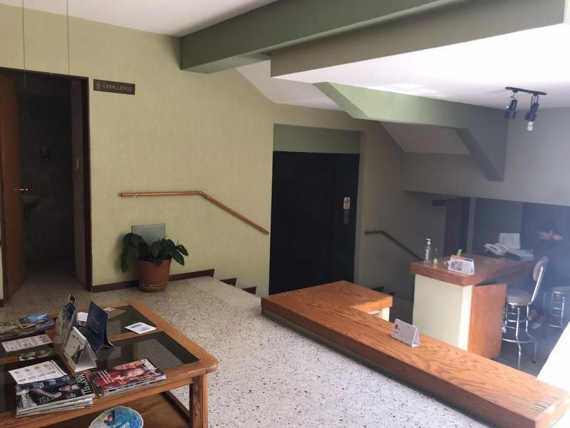 Foto Oficina en Venta | Renta en  Fraccionamiento Jardines del Moral,  León  CONSULTORIO EN VENTA!!