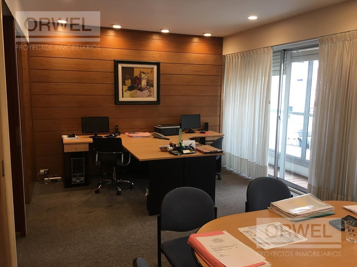 Foto Oficina en Venta |  en  Centro ,  Capital Federal  Leandro N. Alem al 600 y Viamonte