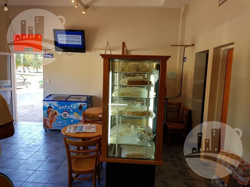 Foto Local en Alquiler en  Balneario Las Grutas,  San Antonio  Avda. Río Negro al 900
