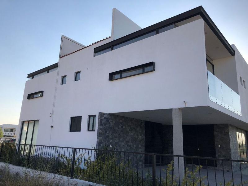 Foto Casa en Renta en  Fraccionamiento El Campanario,  Querétaro  Estrene Residencia en Renta el Campanario
