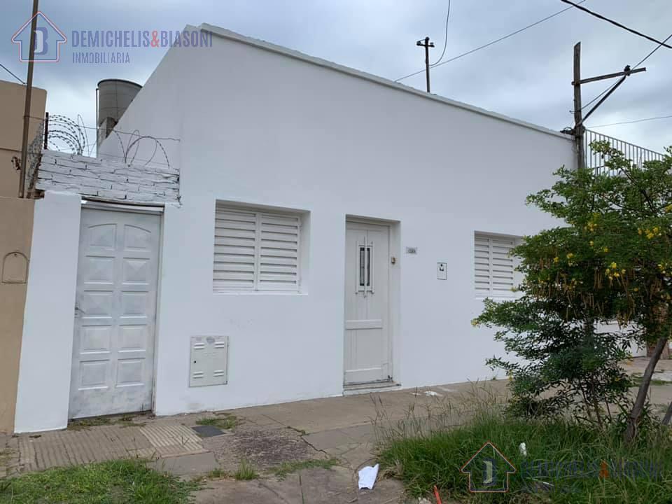 Foto Casa en Venta en  La Capital ,  Santa Fe  Padre Genesio al 1200